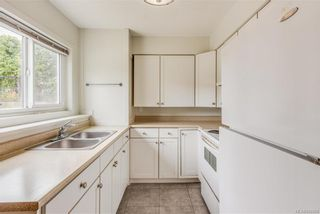 Photo 17: 621 Constance Ave in Esquimalt: Es Esquimalt Quadruplex for sale : MLS®# 842594