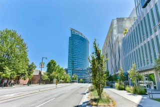 """Photo 17: 1408 13438 CENTRAL Avenue in Surrey: Whalley Condo for sale in """"Prime on the Plaza"""" (North Surrey)  : MLS®# R2481633"""