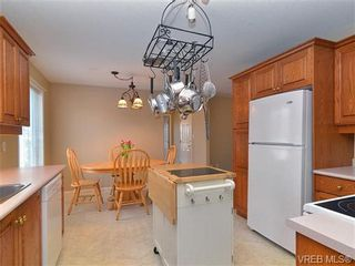 Photo 15: 83 Wolf Lane in VICTORIA: VR Glentana Manufactured Home for sale (View Royal)  : MLS®# 654383