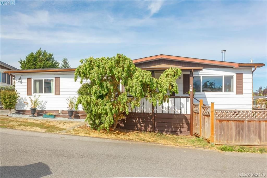 Main Photo: 18 124 Cooper Rd in VICTORIA: VR Glentana Manufactured Home for sale (View Royal)  : MLS®# 768456