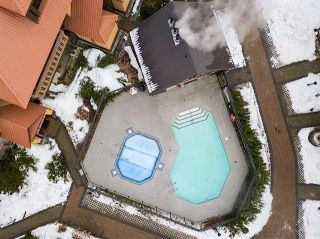 "Photo 15: 54 4325 NORTHLANDS Boulevard in Whistler: Whistler Village Townhouse for sale in ""Sunpath"" : MLS®# R2226495"