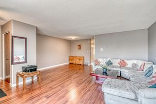 Photo 3: 160 Edgedale Way NW in Calgary: Edgemont Semi Detached for sale : MLS®# A1149279