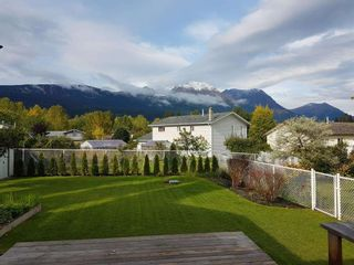 """Photo 3: 4321 REISETER Avenue in Smithers: Smithers - Town House for sale in """"Silver King"""" (Smithers And Area (Zone 54))  : MLS®# R2240093"""
