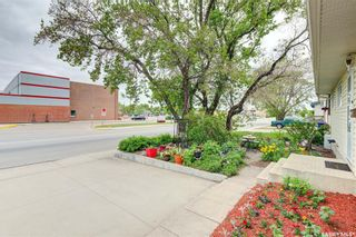 Photo 2: 210 Central Street in Warman: Residential for sale : MLS®# SK859298