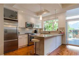 Photo 3: 6379 ARGYLE Ave in West Vancouver: Home for sale : MLS®# V1016991