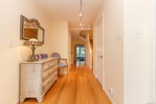 Photo 5: 235 Belleville St in : Vi James Bay Row/Townhouse for sale (Victoria)  : MLS®# 863094