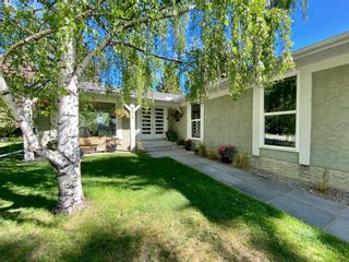 Photo 1: 832 Willingdon Boulevard SE in Calgary: Willow Park Detached for sale : MLS®# A1118777
