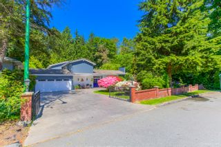 """Photo 2: 7789 KENTWOOD Street in Burnaby: Government Road House for sale in """"Government Road Area"""" (Burnaby North)  : MLS®# R2352924"""