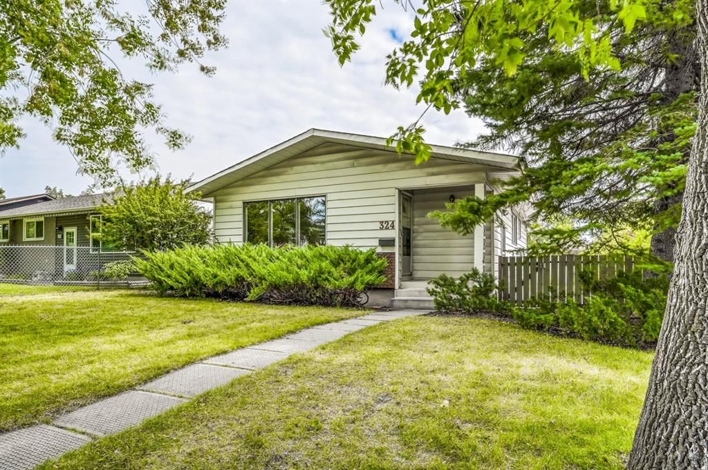 Main Photo: 324 Foritana Road SE in Calgary: Forest Heights Detached for sale : MLS®# A1143360