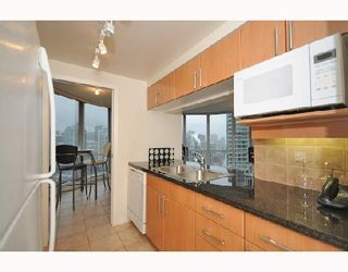 "Photo 4: 2906 193 AQUARIUS MEWS BB in Vancouver: False Creek North Condo for sale in ""MARINASIDE RESORT RESIDENCES"" (Vancouver West)  : MLS®# V746327"