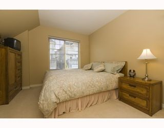 """Photo 9: 11 222 E 5TH Street in North_Vancouver: Lower Lonsdale Townhouse for sale in """"BURHAM COURT"""" (North Vancouver)  : MLS®# V698484"""