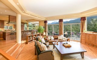 "Photo 3: 3363 OSPREY Place in Whistler: Blueberry Hill House for sale in ""BLUEBERRY HILL"" : MLS®# R2286438"