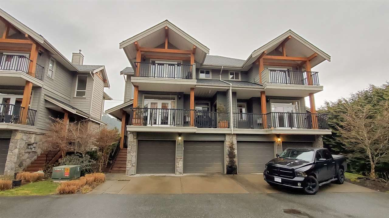 """Main Photo: 3 39758 GOVERNMENT Road in Squamish: Northyards 1/2 Duplex for sale in """"Arbourwoods"""" : MLS®# R2548997"""