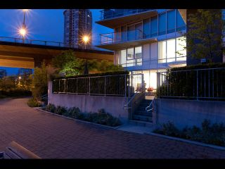Photo 4: TH108 980 Cooperage Way in Vancouver: Yaletown Townhouse for sale (Vancouver West)  : MLS®# V1089222