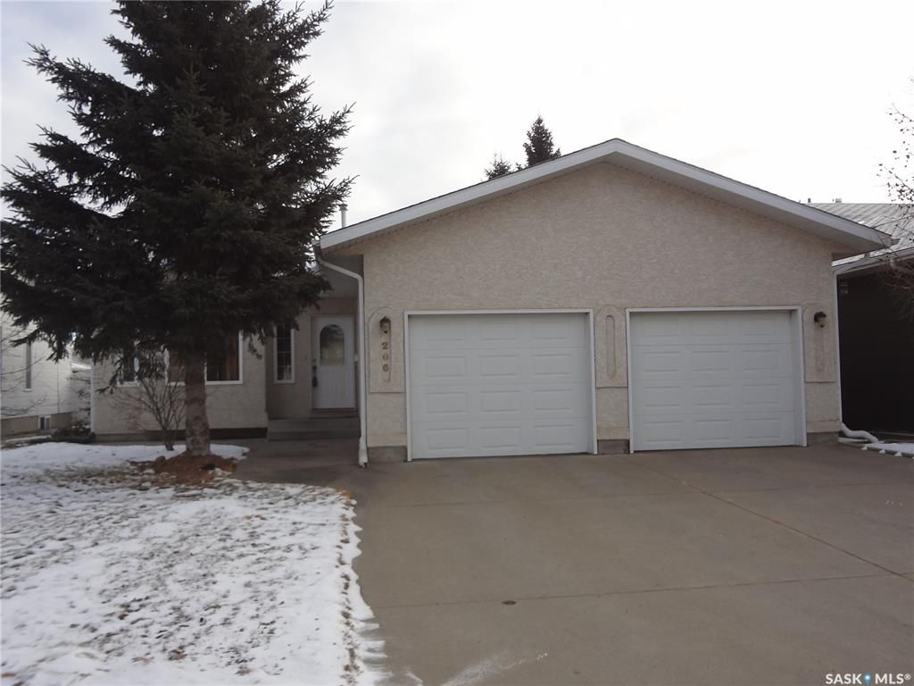 Photo 2: Photos: 206 1st Avenue North in Warman: Residential for sale : MLS®# SK796281