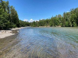 Photo 2: 7515 W 16 Highway: Hazelton House for sale (Smithers And Area (Zone 54))  : MLS®# R2350029