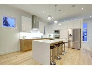 Photo 10: 4627 21 Avenue NW in Calgary: Montgomery House for sale : MLS®# C4099447