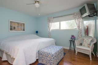 Photo 18: 127 Wedgewood Drive SW in Calgary: Wildwood Detached for sale : MLS®# A1056789