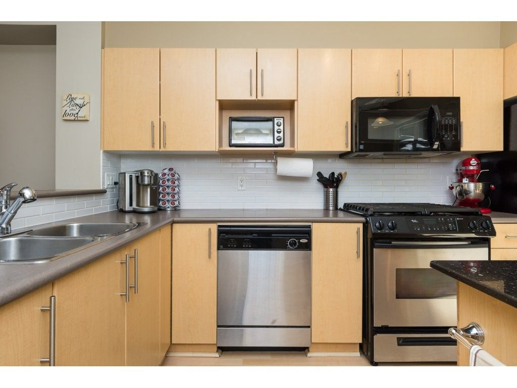 """Photo 7: Photos: 119 15152 62A Avenue in Surrey: Sullivan Station Townhouse for sale in """"UPLANDS"""" : MLS®# R2095709"""