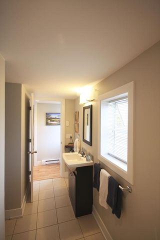 Photo 12: 410 Walter Ave in Victoria: Residential for sale : MLS®# 283473