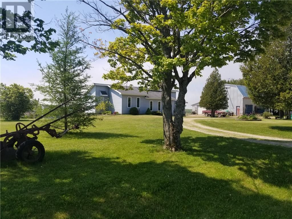 Main Photo: 385 Campbell Road in Evansville: House for sale : MLS®# 2092840