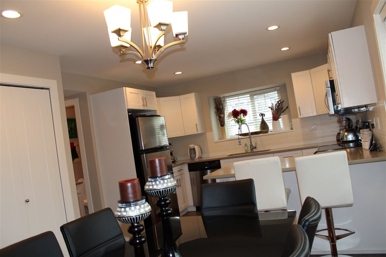 """Photo 6: Photos: 115 13368 72 Avenue in Surrey: West Newton Townhouse for sale in """"CRAFTON HILL"""" : MLS®# R2071517"""