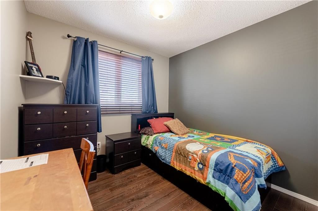 Photo 17: Photos: 20 PENROSE Crescent in Steinbach: R16 Residential for sale : MLS®# 202107867
