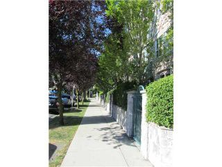 """Photo 2: 402 3278 HEATHER Street in Vancouver: Cambie Condo for sale in """"HEATHERSTONE"""" (Vancouver West)  : MLS®# V906355"""