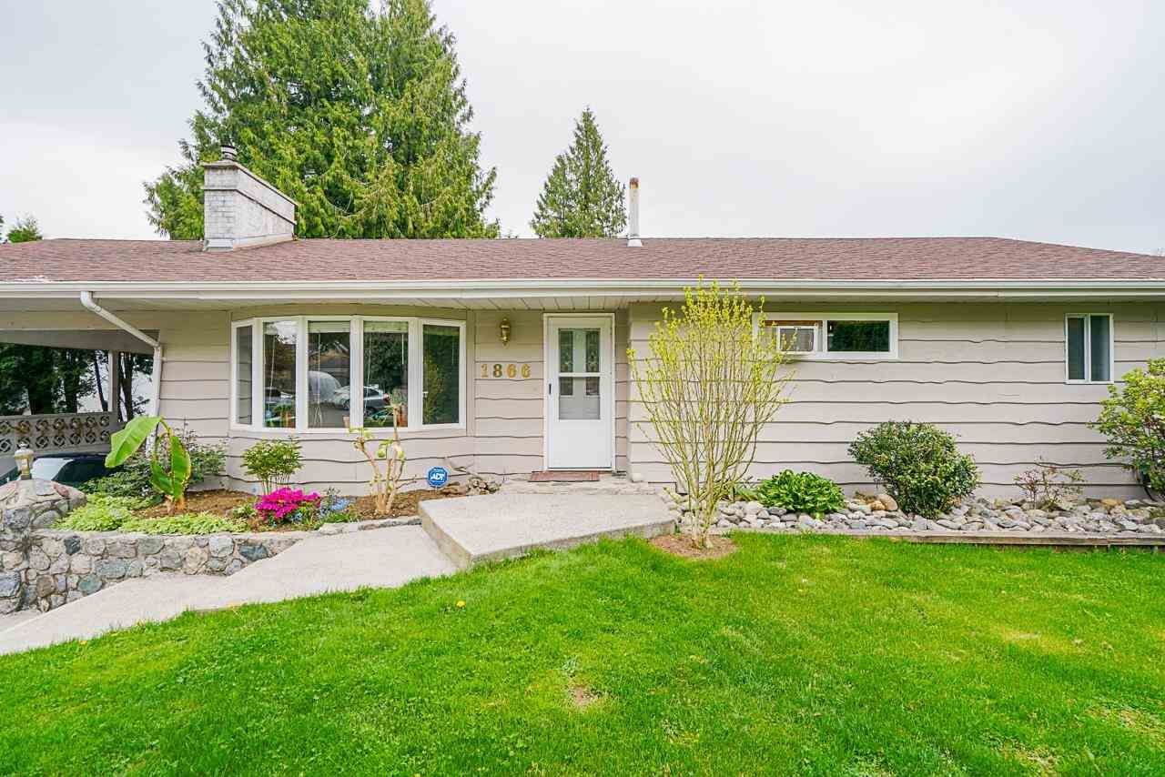 Main Photo: 1866 DAHL Crescent in Abbotsford: Central Abbotsford House for sale : MLS®# R2574504