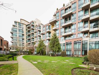 """Photo 2: 518 10 RENAISSANCE Square in New Westminster: Quay Condo for sale in """"MURANO LOFTS"""" : MLS®# R2514767"""