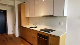 """Photo 4: 2906 13438 CENTRAL Avenue in Surrey: Whalley Condo for sale in """"PRIME ON THE PLAZA"""" (North Surrey)  : MLS®# R2580370"""