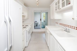 """Photo 8: 223 5735 HAMPTON Place in Vancouver: University VW Condo for sale in """"The Bristol"""" (Vancouver West)  : MLS®# R2185009"""