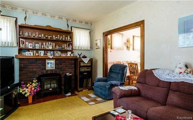 Photo 2: Photos: 262 Inkster Boulevard in Winnipeg: West Kildonan Residential for sale (4D)  : MLS®# 1722838
