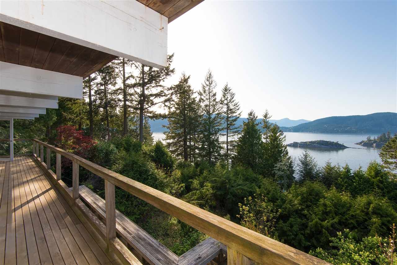 Photo 19: Photos: 6253 ST. GEORGES Crescent in West Vancouver: Gleneagles House for sale : MLS®# R2526812
