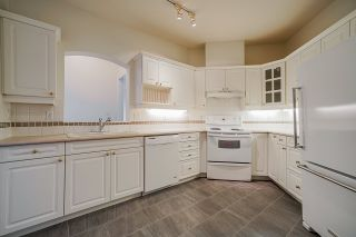 """Photo 8: 207 3098 GUILDFORD Way in Coquitlam: North Coquitlam Condo for sale in """"Malborough House"""" : MLS®# R2449072"""
