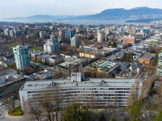 """Photo 15: 104 1445 MARPOLE Avenue in Vancouver: Fairview VW Condo for sale in """"Hycroft Towers"""" (Vancouver West)  : MLS®# R2554611"""