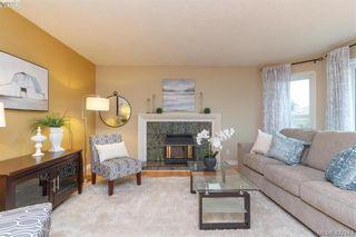 Photo 5: 1186 Foxridge Crt in VICTORIA: SE Sunnymead House for sale (Saanich East)  : MLS®# 835564