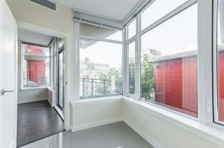 """Photo 11: 807 38 W 1ST Avenue in Vancouver: False Creek Condo for sale in """"THE ONE"""" (Vancouver West)  : MLS®# R2525858"""