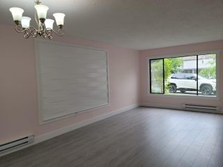 """Photo 2: 23 32310 MOUAT Drive in Abbotsford: Abbotsford West Townhouse for sale in """"Mouat Gardens"""" : MLS®# R2577488"""