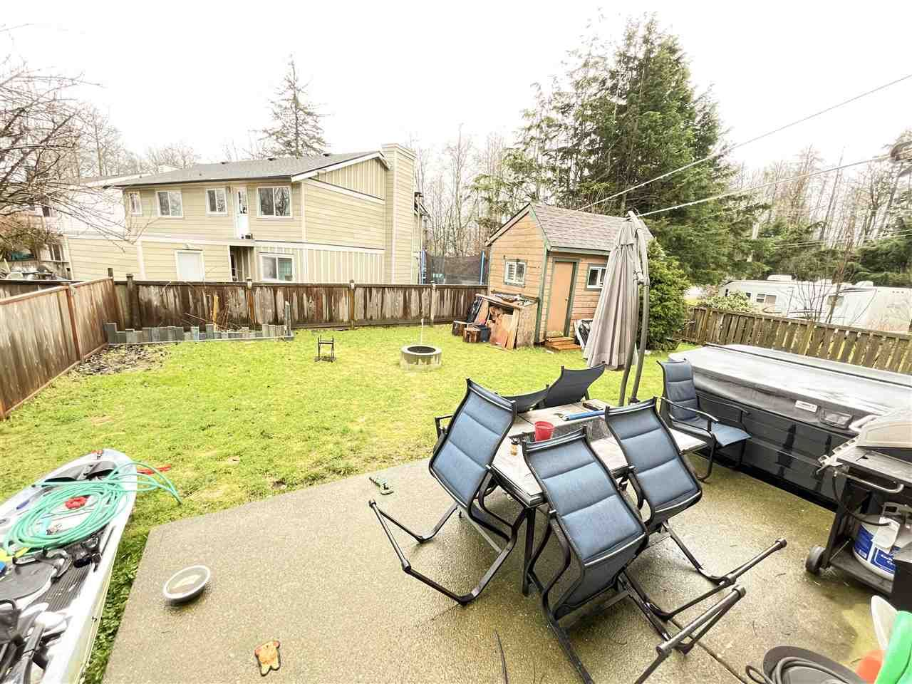 Main Photo: 39706 GOVERNMENT Road in Squamish: Northyards 1/2 Duplex for sale : MLS®# R2537270