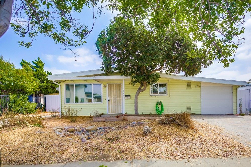 Main Photo: SERRA MESA House for sale : 3 bedrooms : 3261 Pasternack Pl in San Diego