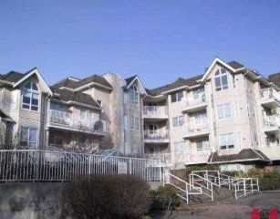 Main Photo: 404 - 13475 96th Ave in Surrey: Home for sale : MLS®# F2505077