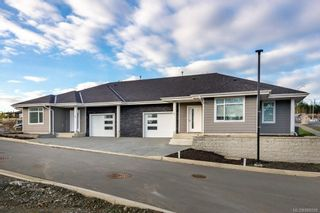 Photo 1: 1 1580 Glen Eagle Dr in Campbell River: CR Campbell River West Half Duplex for sale : MLS®# 886598