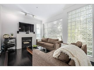 """Photo 2: 363 E 30TH Avenue in Vancouver: Main House for sale in """"MAIN STREET"""" (Vancouver East)  : MLS®# V1085412"""