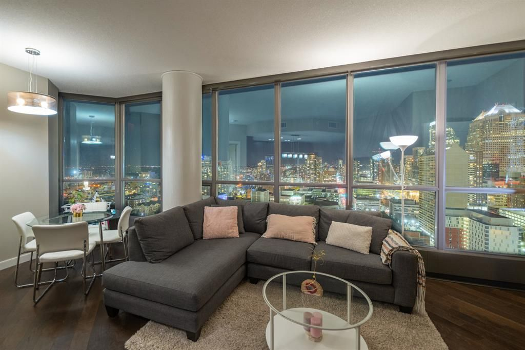 Main Photo: 2510 225 11 Avenue SE in Calgary: Beltline Apartment for sale : MLS®# A1154543