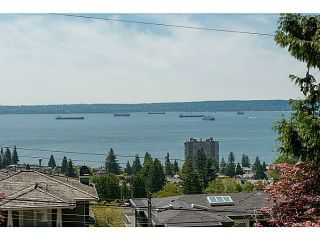 Photo 1: 2323 OTTAWA Ave in West Vancouver: Home for sale : MLS®# V1135947