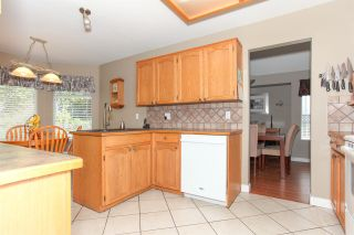 Photo 7: 11570 WARESLEY Street in Maple Ridge: Southwest Maple Ridge House for sale : MLS®# R2096912