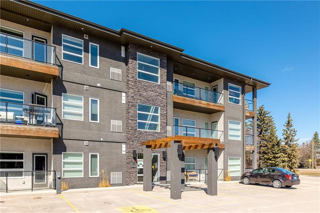 Main Photo: 27 1124 DAWSON Road in Lorette: R05 Condominium for sale : MLS®# 202118977