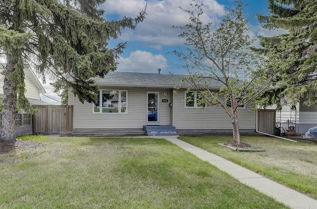 Main Photo: 4520 Namaka Crescent NW in Calgary: North Haven Detached for sale : MLS®# A1112098