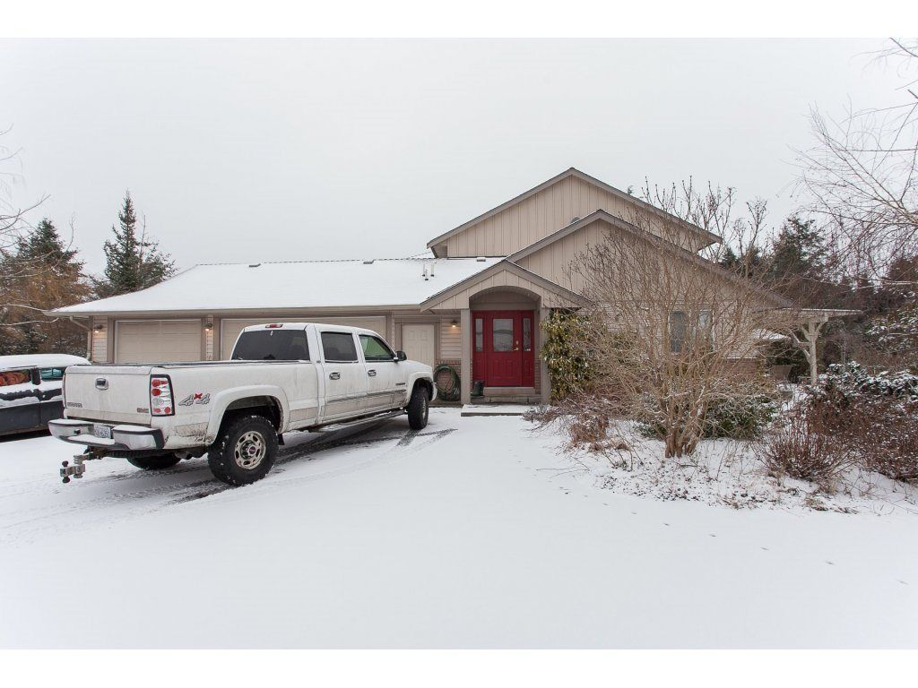 "Photo 3: Photos: 25125 57 Avenue in Langley: Salmon River House for sale in ""Strawberry Hills"" : MLS®# R2136212"